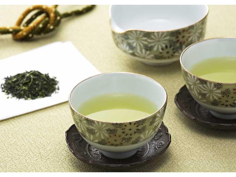 夏、麦茶もいいけど緑茶もね